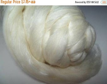SALE Merino Silk Roving Natural White - Neutral Color Tussah Wool Silk Blend Fiber for Spinning & Felting