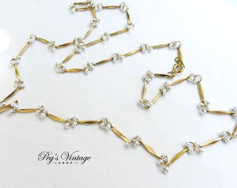 Dainty Vintage 1970's Gold Tone Chain Faux Pearl Necklace