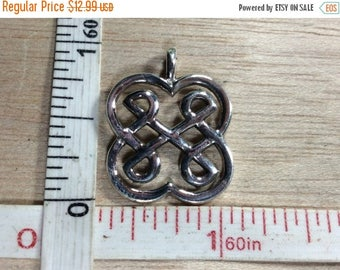 10% OFF 3 day sale Vintage 925 Sterling Silver 3.2g Celtic Knot Pendant Used