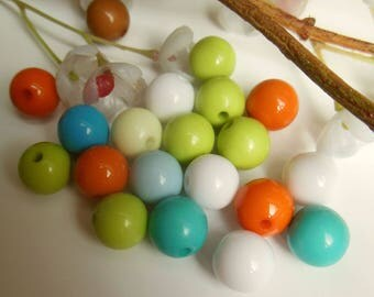 set of 20 plastic round beads