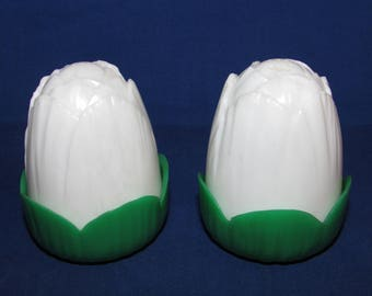 JAY DON Plastic Salt and Pepper Shakers Tulip Cabbage
