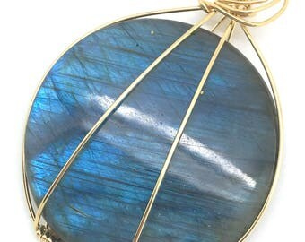 Blue Flash Labradorite Pendant -Round