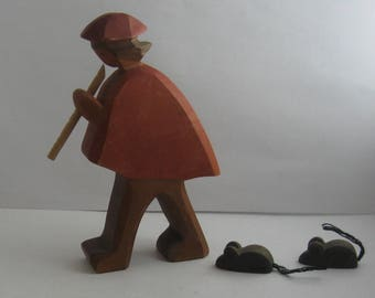Original OSTHEIMER wooden figures / wood animals (marked). Wooden toys. Ostheimer fairy tales: Pied Piper of Hamelin with 2 mice. VINTAGE