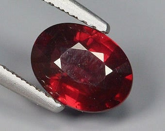 1.81 Ct Natural Purplish Red RHODOLITE GARNET