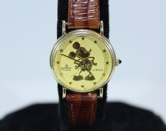 Vintage Lorus Quartz Disney Mickey Mouse Watch