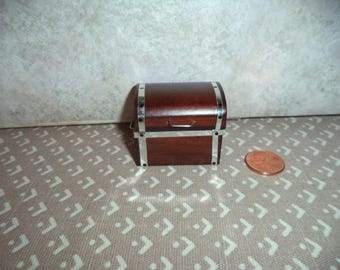 1:12 scale Dollhouse miniature Wood Trunk