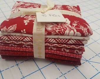 8 Marcus Faye Burgos Gallery in Red Floral Patriotic American QOV Fabric Fat Quarters