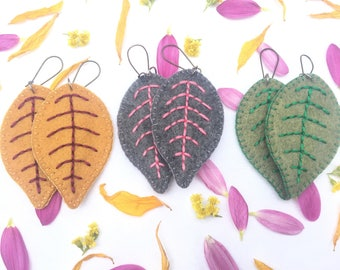 Leaf earrings, felt leaves, felt earrings, woodland jewelry, green earrings, leaf jewelry, embroidered leaf, green leaves, nature jewelry