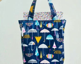 Weather Girl Lunch Bag // Insulated Wipe Clean Lunch Box // Umbrellas lunch tote// Baby Bottle Carrier