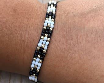 Gold , Black , and White Chevron Beadwoven Bracelet