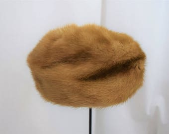 Vintage 1960s mink pillbox hat