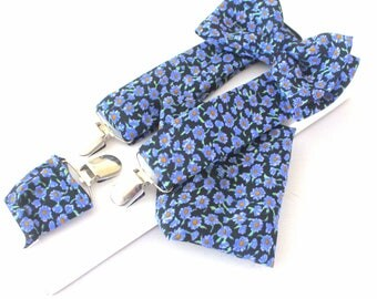 Suspender with bow tie + handkerchief, black ground,with light blue little flowers