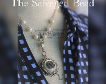 Antique Victorian Posey in MOP Button Necklace circa 1880's