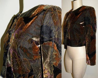 1970s 80s Cropped Velvet Jacket /  Fitted / Gold  / leaf / metallic / women / GYPSY / Bohemian / folk / Vintage Petite