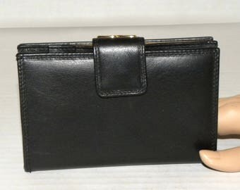 """Vintage Black Leather Wallet / Kiss Clasp Coin Purse Bill Fold Card Case Accessory / Luxury made Italy 5.5"""" x 3.5"""" x 1"""""""