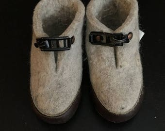 SUMMER SALE 20% OFF Vintage Felted  Gray Wool Slipper Shoes Baby Toddler Child Made in Norway