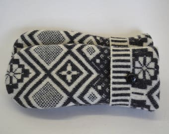 Wool Felted Sweater Mittens / GRAY & WHITE SWEATER Mittens / Wool Mittens / Lined With Fleece / Handmade