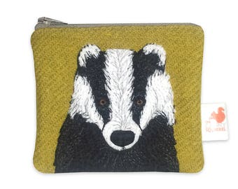 Badger coin purse - badger purse - brock purse - badger zip purse - ochre Harris Tweed purse - embroidered badger purse - Scottish gift