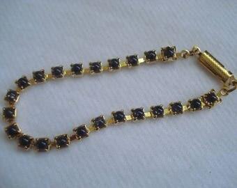 Vintage Gold Tone Black Bead Bracelet A+ Condition Dainty Pretty #514