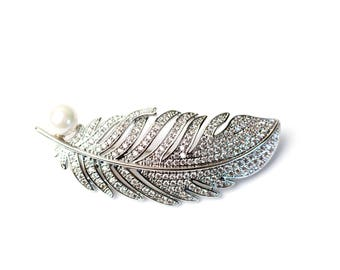 Feather Brooche - Silver Tone - with Faux Pearl & Rhinestones