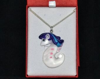 White Cap, pendant my little sea pony
