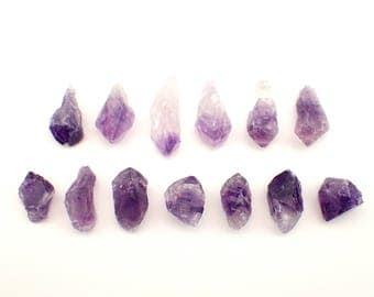 13 Amethyst crystals from Uruguay - 29gm / 15-30mm (403)