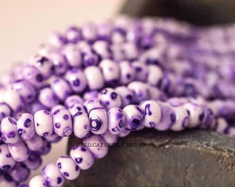 1 Strand 6/0 White Purple Speckled Czech Glass Seed Beads (SB274)