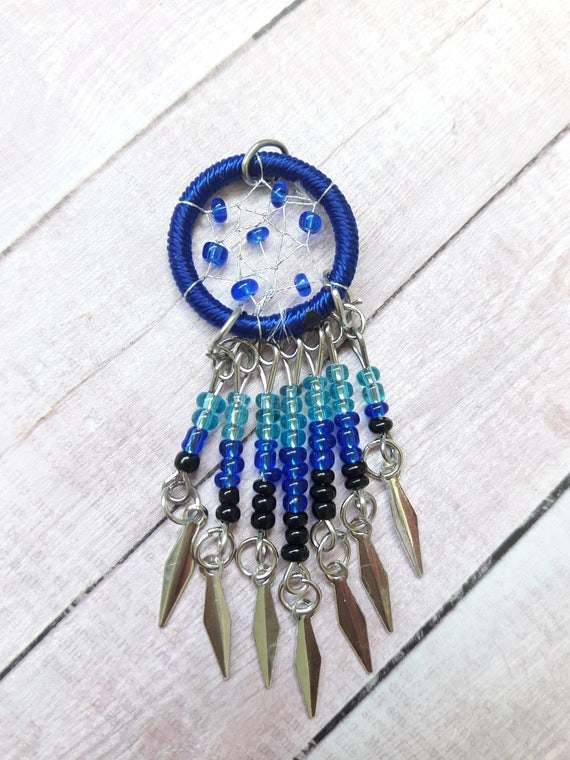 indian jewelry supply blue beaded dreamcatcher pendant with silver dangles 4403