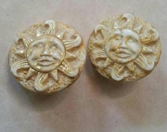Vintage cream gold sun eighties nineties statement plastic clip on earrings