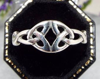 Vintage / Sterling Silver Open Work Woven Scottish Celtic Knot Band Ring Size Q 1/2
