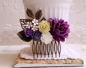 Violet rose Country garden hair accessory Shabby chic bridal hair comb Rustic purple comb