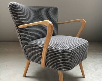 Cocktail with 3 mesh fabric arm chair