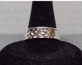 ON SALE Silver Plated Hammered Band Ring (Size 8/9)