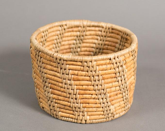 Woven Wicker Baskets - Vintage Straw Basket - Hand Woven Rustic Primitive Boho Decor Mid Century Modern  Minimalist