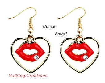 Golden Heart Kiss Earrings