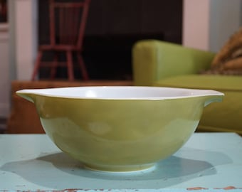 Vintage Pyrex 443 Cinderella Mixing Nesting Bowl Verde/Green 2 1/2 Quart
