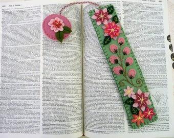 Felt Bookmark, Flower Bookmark, Gift for Reader, Gift for Book Lover, Stocking Stuffer, Floral Garden Bookmark, Page Keeper, Page Minder