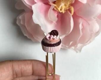 Red velvet floral wafer cupcake