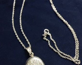 Vintage Sterling Oval Etched Locket & Chain