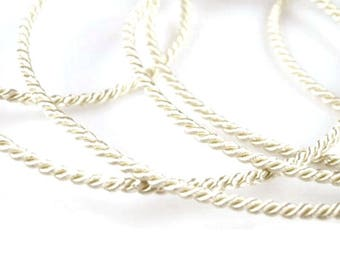 1901 2.8 mm twisted ivory rope cord