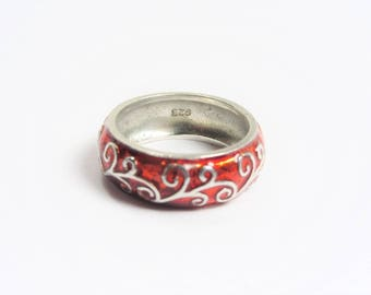 Vintage Red Enamel Sterling Scroll Band Ring Size 6
