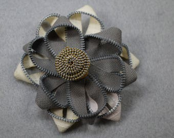 Zipper Flower Brooch - White Gray Flower Pin, Upcycled, Recycled, Repurposed, Zipper Jewelry, Zipper Pin, Zipper Brooch, Zipper Art