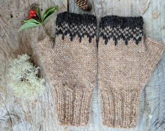 Icelandic Fingerless Mittens / Gloves Hand Knit in Barley and Black Sheep / Lett Lopi