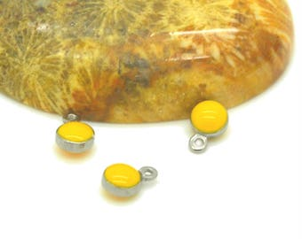 10 06mm sequins enamelled yellow sides