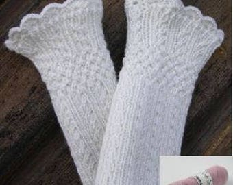 Material kit for making a pair of Mock Cable Wristwarmers, pink, wool/acrylic/cashmere, pulswarmer knit kit, English/Swedish/Danish
