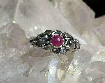 Sterling Silver Organic Leaf Ring set with a Ruby Cabochon