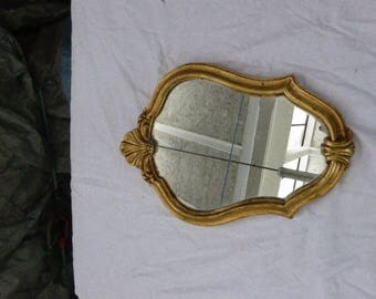 Mirror in baroque style in gilded wood, vintage 1960 Wooden back