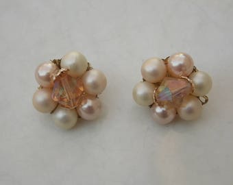 Pale Pink Peach Cluster Earrings, 1950s Clip On