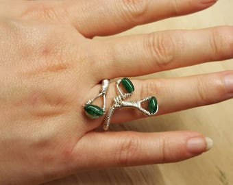 Green Chrome Diopside ring. Sterling silver wire wrap ring. Reiki jewelry uk. Adjustable ring. Artisan Statement ring