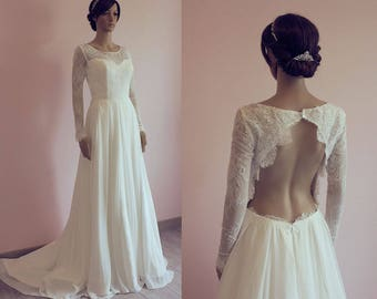 Boho lace wedding dress with long sleeves/ Chiffon wedding dress with train/ bohemian/ flowy/ open back/ Robe de mariée bohème fluide